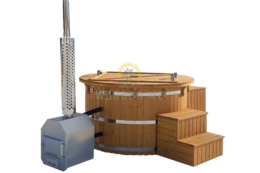 Larch wood hot tub - painted