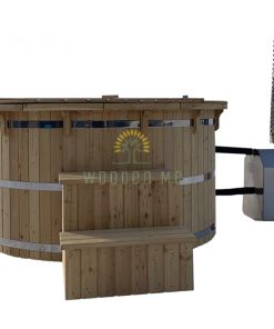 Larch wood hot tub with outside ovn